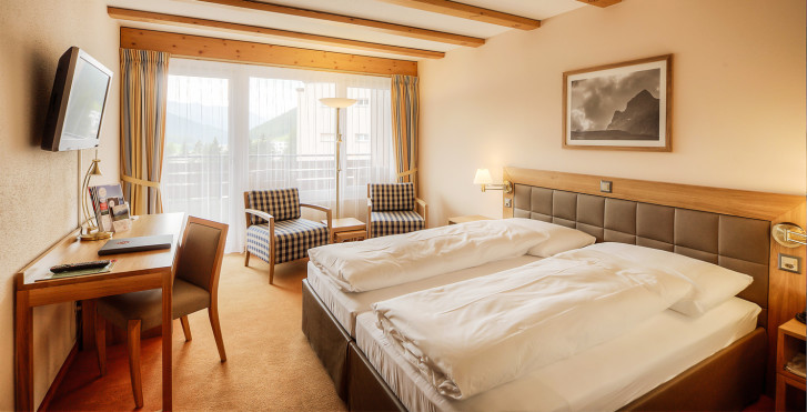 Doppelzimmer Balkon - Sunstar Hotel Davos