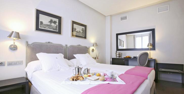 Image 26616416 - Hotel Meninas
