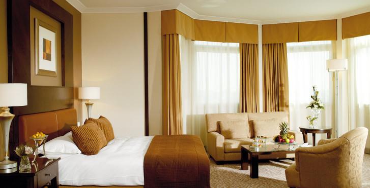 Club Rotana - Al Murooj Rotana Hotel & Suites