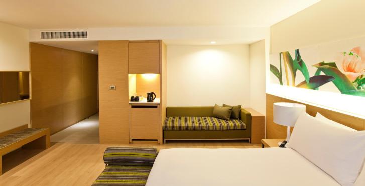 Glow Pratunam Hotel