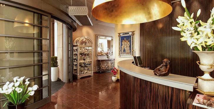 Image 24774966 - EA Hotel Crystal Palace