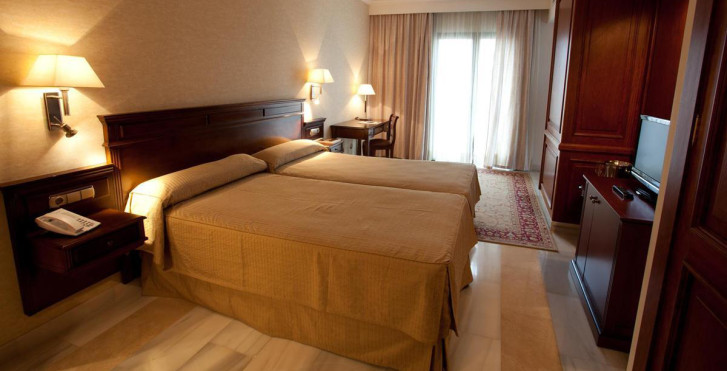 Bild 25163771 - Continental Hotel