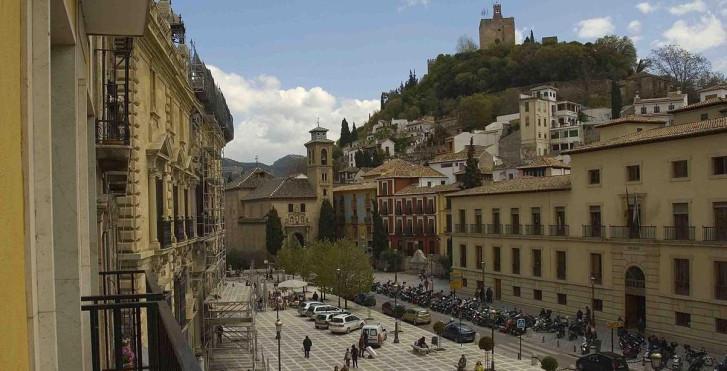 Image 13082081 - Macia Plaza