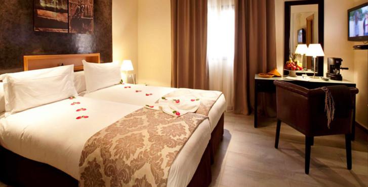 Bild 28902571 - Dellarosa Hotel Suites & Spa