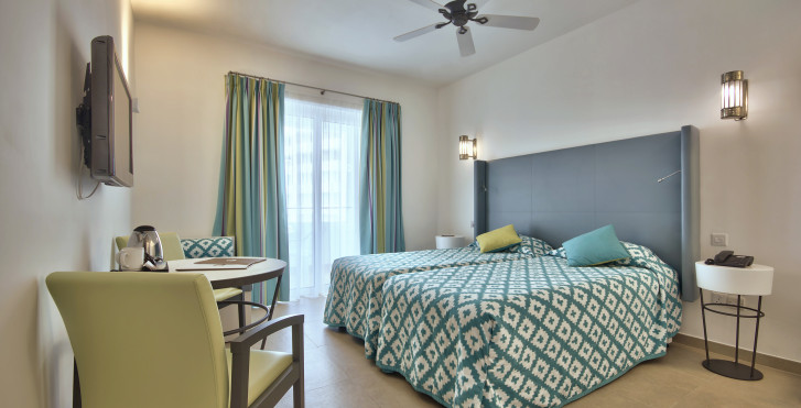 Chambre Double - db San Antonio Hotel + Spa