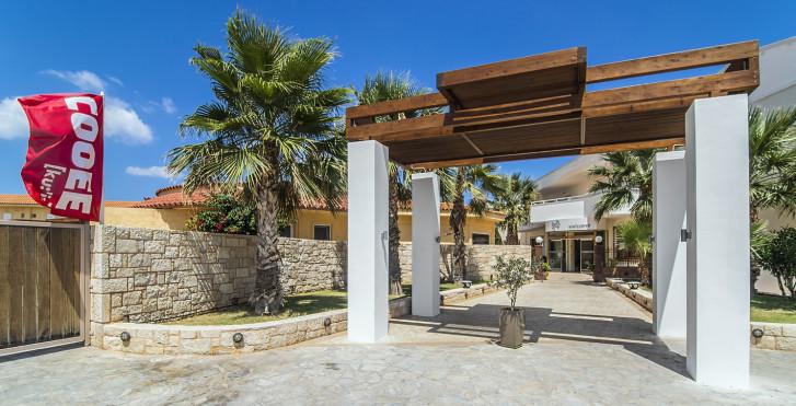Lavris Paradise Hotel