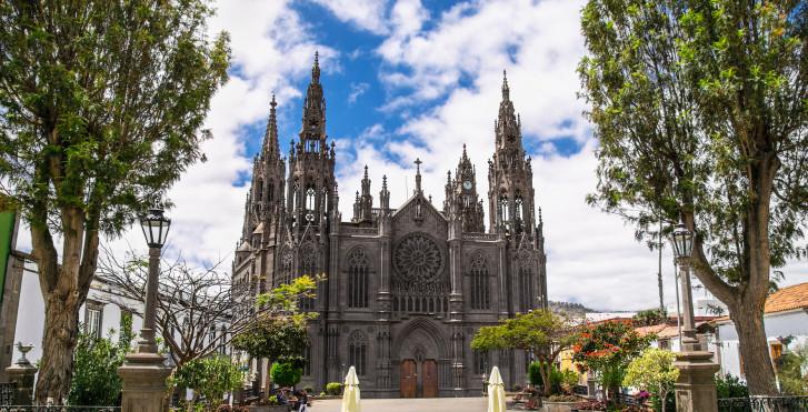 Église majestueuse de San Juan Bautista