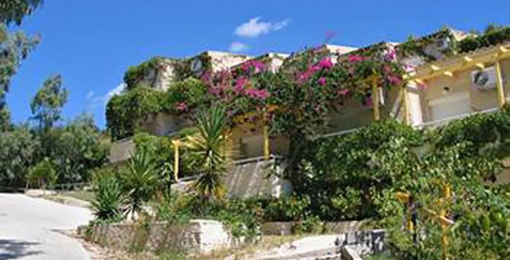 Panas Hotel