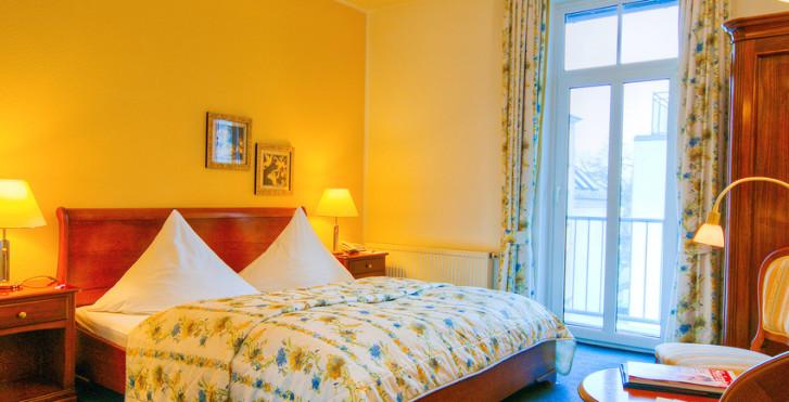 ©Eurotours Ges mbh/ Tourismusverband Mecklenburg- Vorpommern e.V. - Kurpark Hotel Warnemünde