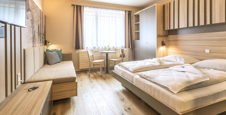 Familienzimmer - JUFA Hotel Malbun Alpin Resort - Sommer inkl. Bergbahnen