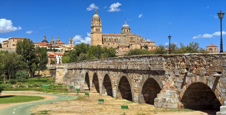 Neue Kathedrale und römische Brücke, Salamanca