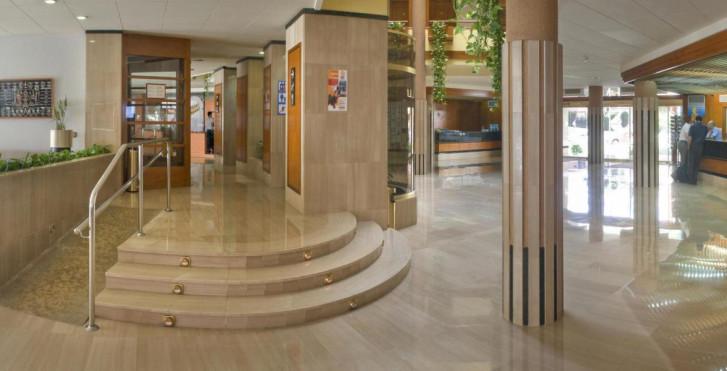 Hotel GHT Aquarium and Spa