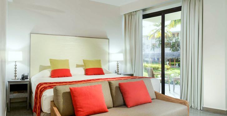 Privileged Junior Suite Deluxe - Catalonia Bávaro Beach, Golf & Casino Resort