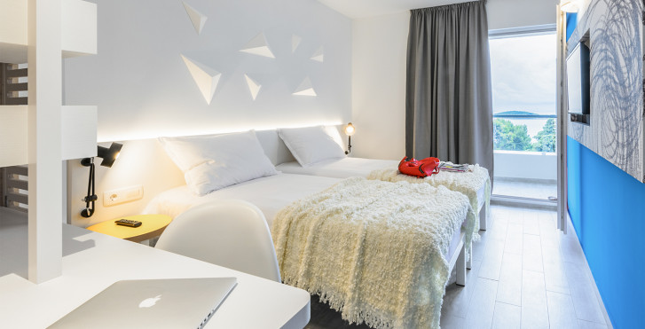 Chambre double balcon vue mer - Hôtel Pharos