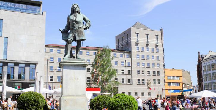 Monument de Handel, Halle