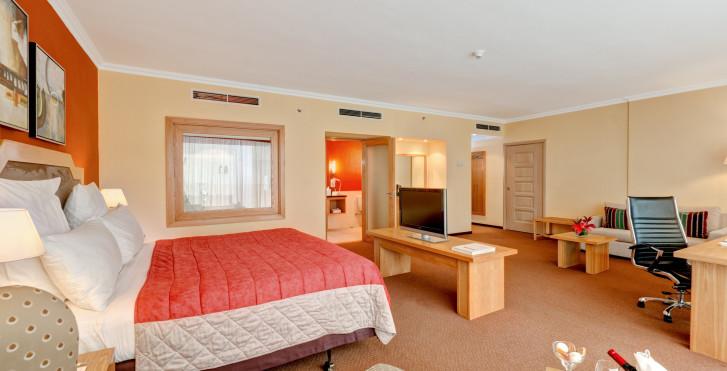 Bild 28981440 - Hennessy Park Hotel