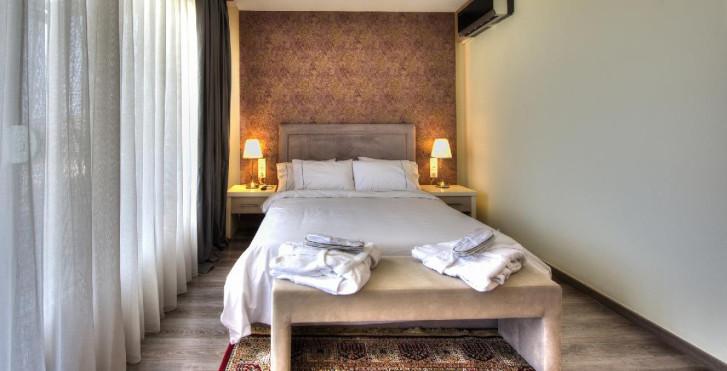 Sunny Villas Resort and Spa