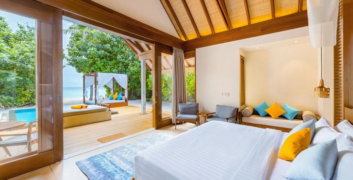 Beach Villa mit Pool - Furaveri Island Resort & Spa