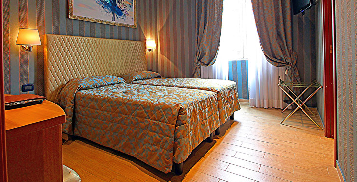 Hotel Lirico