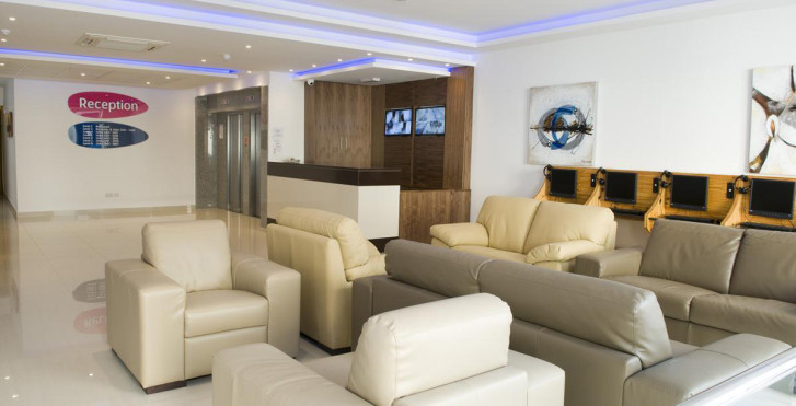 Blu Bay Apartments