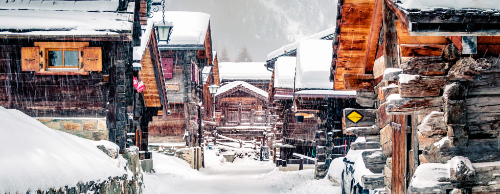 Das Dorf Zinal im Winter