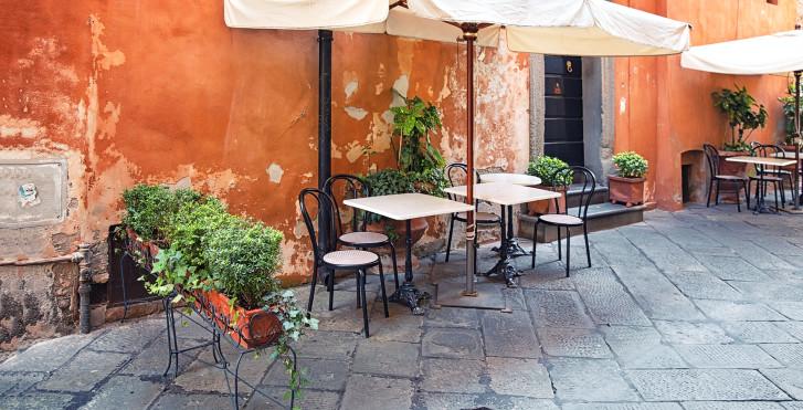 Café in Lucca