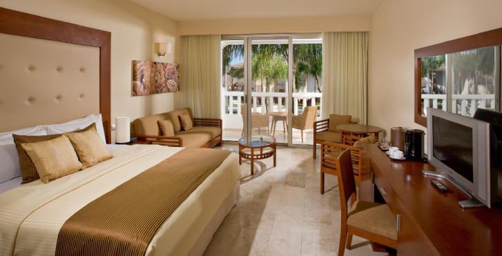 Grand Riviera Princess All Suites & Spa Resort