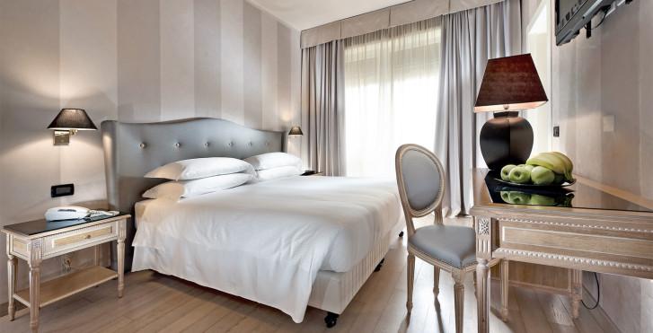 Image 28906588 - Hôtel Ambasciatori