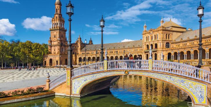 Sevilla: PlazaEspana - Fly & Drive Andalusien