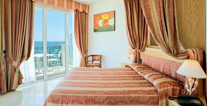 Doppelzimmer - Grand Hotel Mediterranee