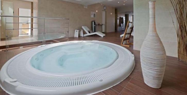 Image 27599538 - Mimozas Resort Cannes