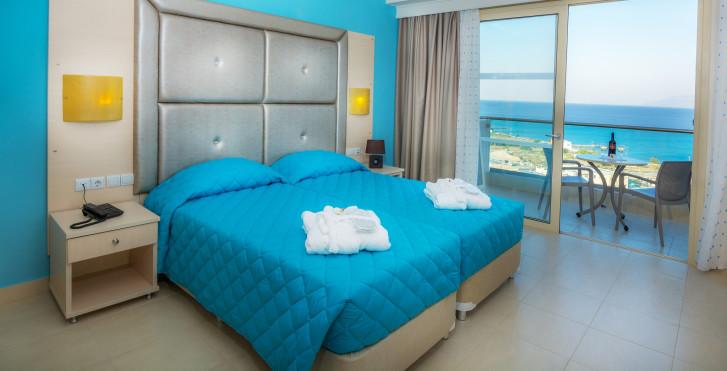 Grand Blue Beach Hôtel