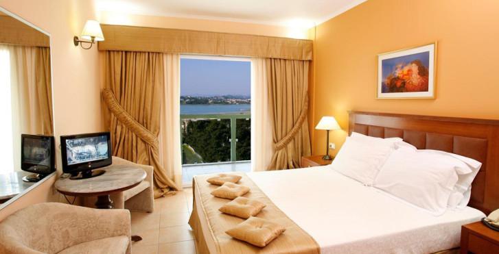 Image 8039986 - Ariti Grand Hotel