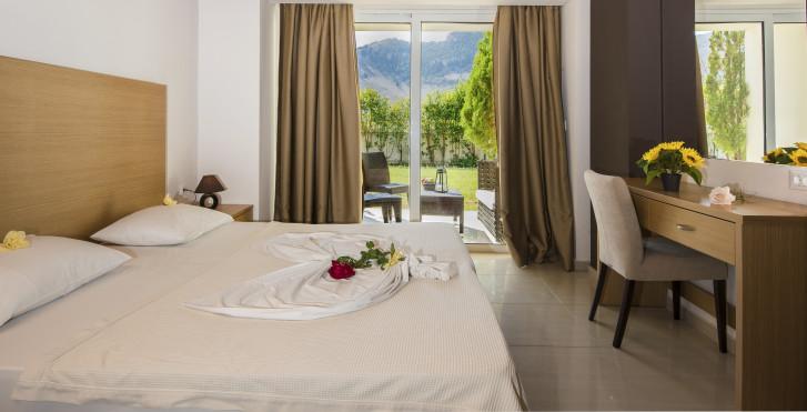 Image 28054704 - Hôtel Anavadia incluent la voiture de location