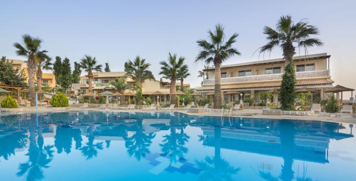 Kouros Palace Hotel