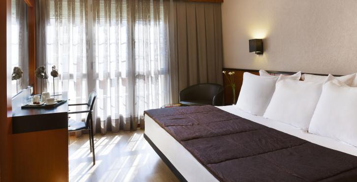Image 28910864 - Hôtel Derby