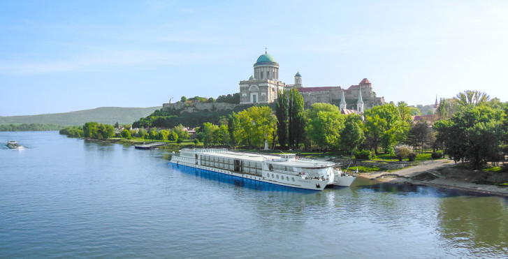 Vélo et bateau: Passau–Budapest–Passau / Primadonna