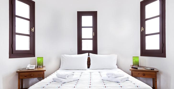 Chambre double vue jardin - Sunrise Accomodation