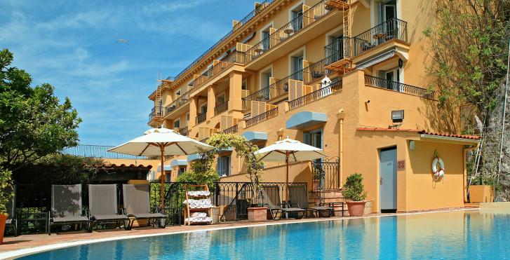 Image 31948623 - Hôtel La Pérouse