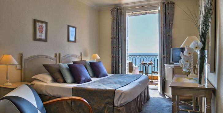 Image 31948628 - Hôtel La Pérouse