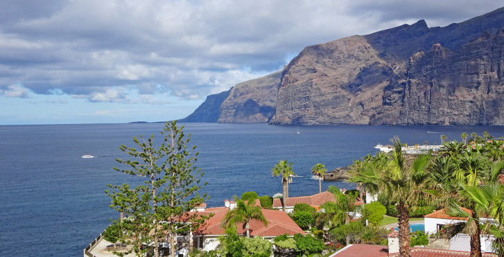 Image 32075972 - Tenerife, paradis de la randonnées: entre Atlantique sauvage, côtes ensoleillées et pierres volcaniques