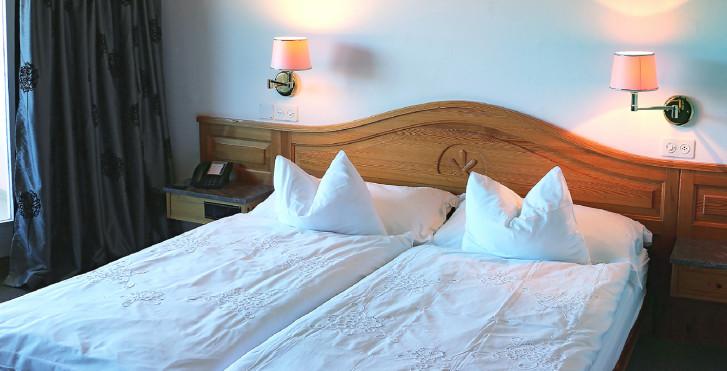 Chambre double Sud - Hotel Cristallo - Été, remontées mécaniques incluses