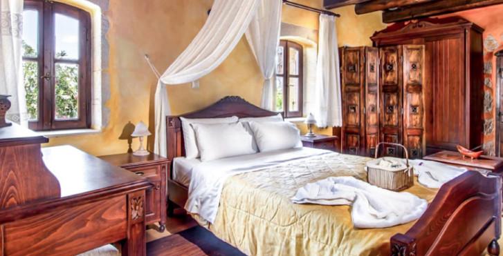 Samonas Traditional Diktamos Orange Villa