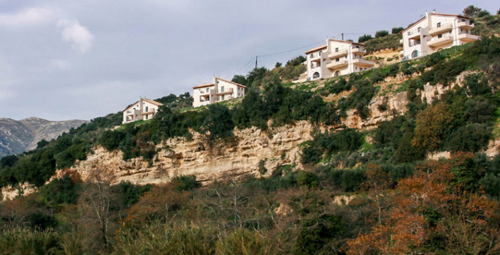 Estate Kares, Villa Zeus