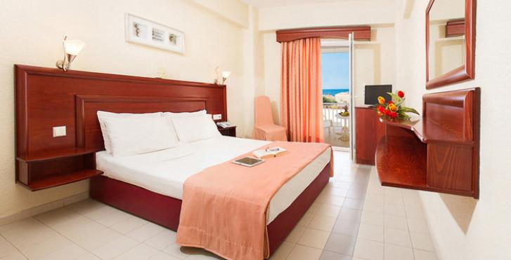 Loutra Village Beach Hotel
