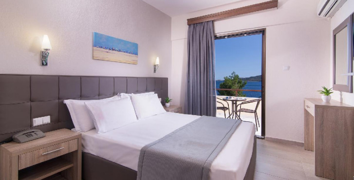 Sunrise Hotel (Amouliani Island)