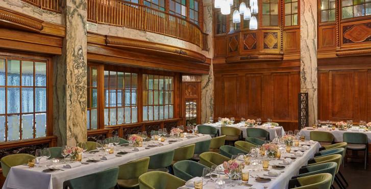 Reichshof Hotel Hamburg, Curio Collection by Hilton