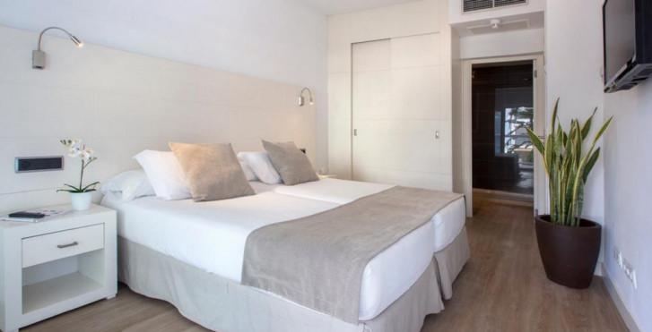 Image 36175504 - Las Gaviotas Suites Hotel