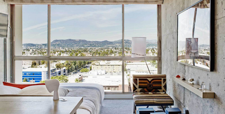 Hollywood Hills King - The Line Hotel