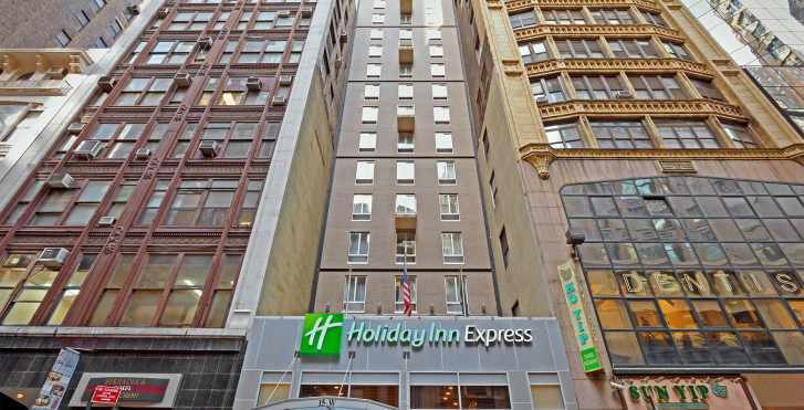 Holiday Inn Express Fifth Avenue